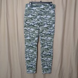 Rock & Republic Denim Rx fever pull on camo jeans